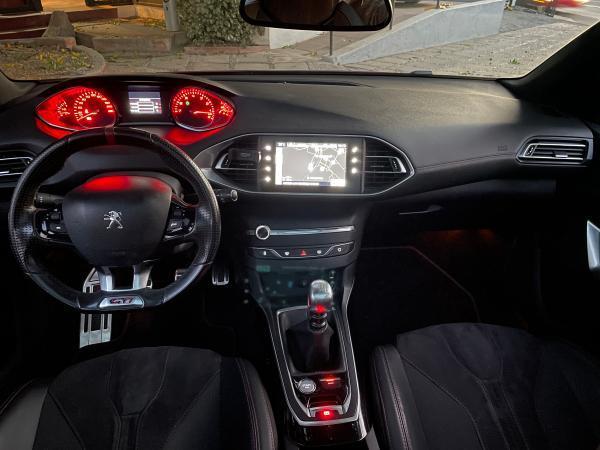Peugeot 308 GTI 272 HP año 2017