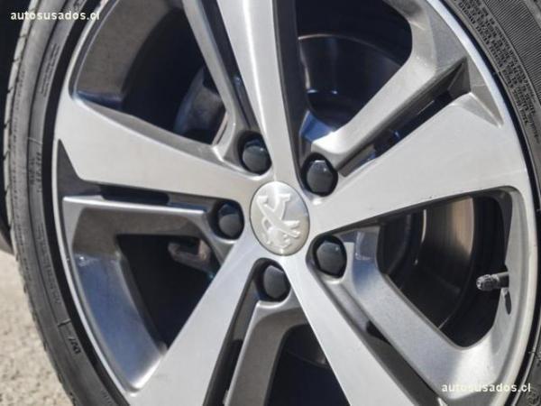 Peugeot 308 1.6 FELINE BLUE HDI año 2017
