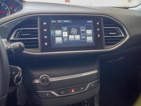Peugeot 308 ALLURE 1.2 PURETECH año 2017