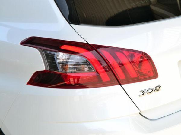 Peugeot 308 FELINE BLUEHDI 130 año 2020