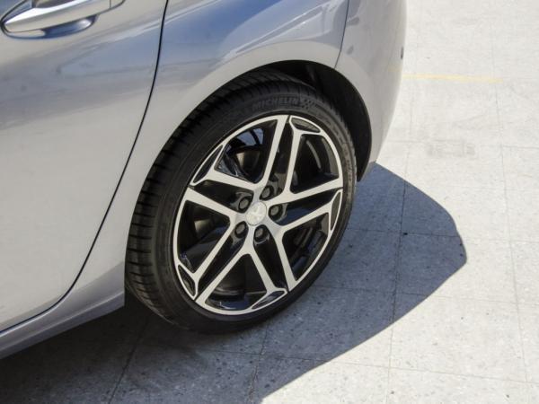 Peugeot 308 FELINE año 2020