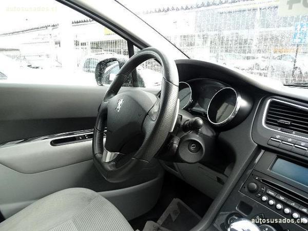 Peugeot 5008 1.6 año 2012