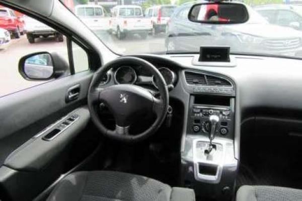 Peugeot 5008 ALLURE HDI 2.0 año 2014