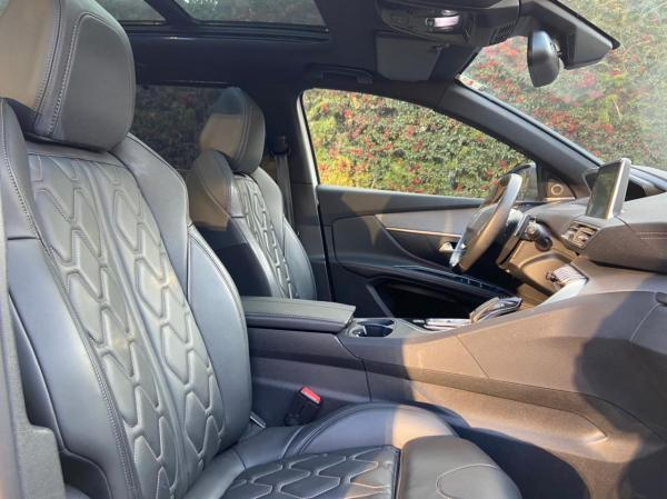 Peugeot 5008 GT LINE año 2018