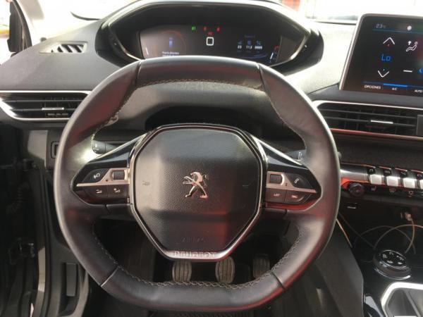 Peugeot 5008 5008 ALLURE 2.0 BLUE HD año 2018