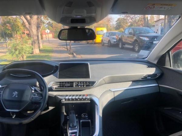 Peugeot 5008 ALLURE año 2019