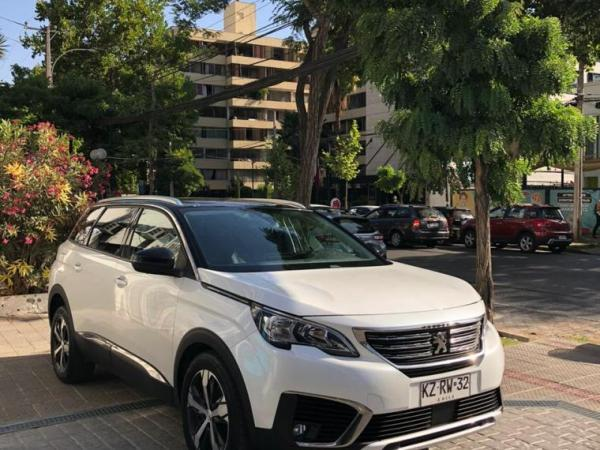 Peugeot 5008 ALLURE 1.6 HDI AT año 2019