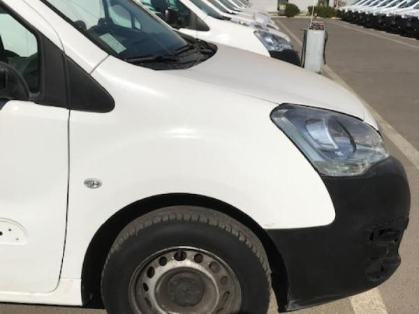 Peugeot Partner 1.6 hdi 90 hp aa ev año 2018