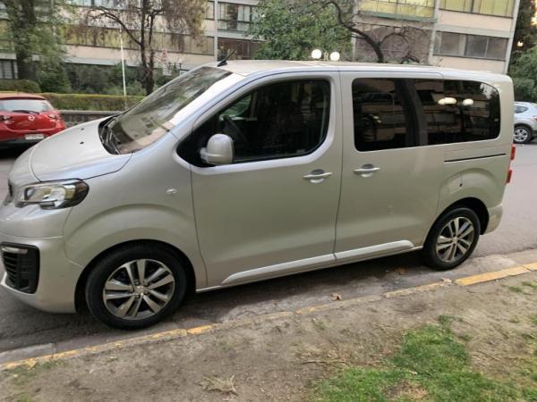 Peugeot Traveller TRAVELLER . año 2018