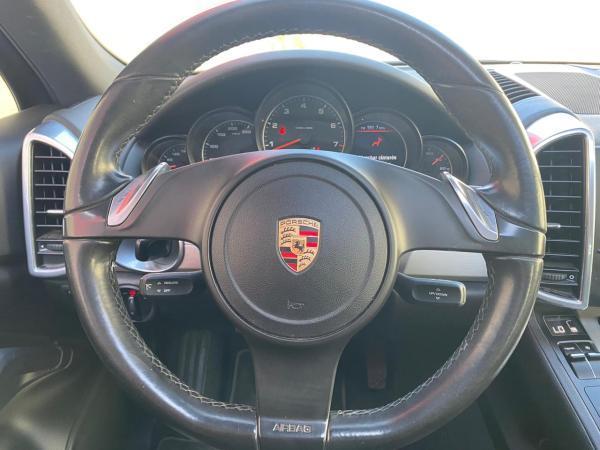 Porsche Cayenne 3.6 año 2011