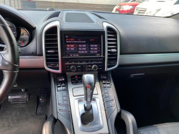 Porsche Cayenne 3.0 turbo año 2013