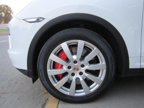 Porsche Cayenne CAYENNE TURBO V8 4.8 TRIP año 2014