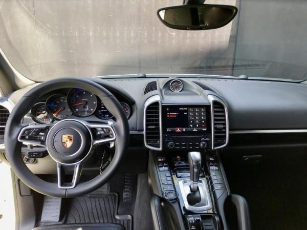 Porsche Cayenne PLATINUM EDITION UN DUENO año 2018