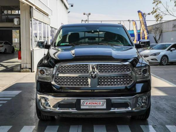 Ram 1500 CREW CAB LARAMIE 4X4 año 2018