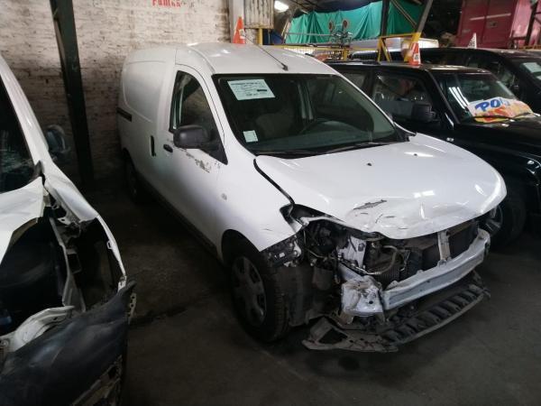 Renault Dokker CHOCADA año 2017