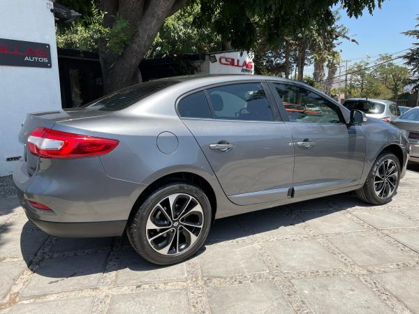 Renault Fluence DYNAMIQUE BOSE EDITION año 2018