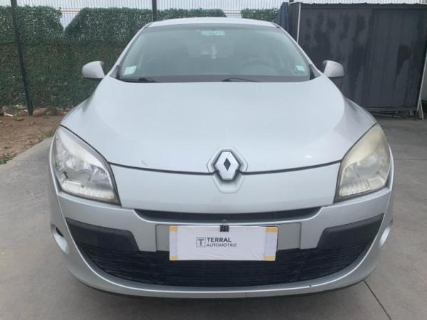 Renault Megane DYNAMIQUE año 2011