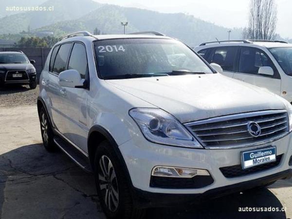 Ssangyong Rexton 4X4 MT 2.0 año 2014