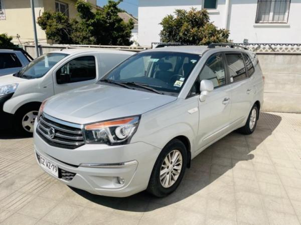 Ssangyong Stavic MT 4X2 año 2015
