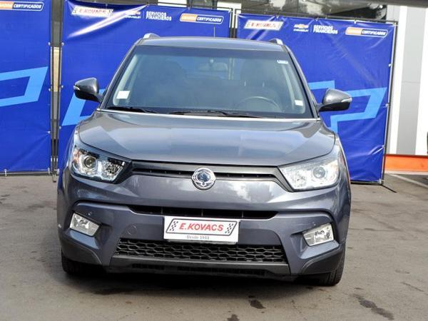 Ssangyong Tivoli 1.6 4X2 AT TV11 año 2016