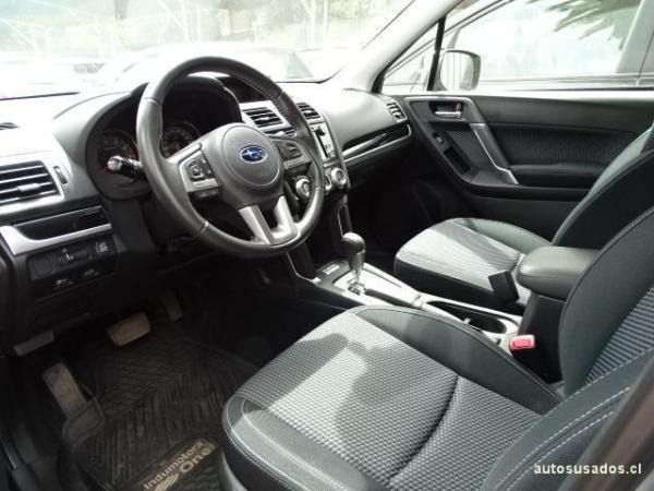 Subaru Forester 2.0 AWD CVT XS año 2017