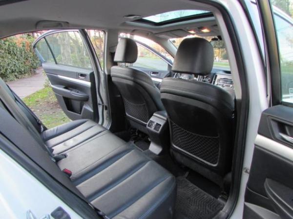 Subaru Legacy 2.5I AWD LIMITED 76.000 año 2010