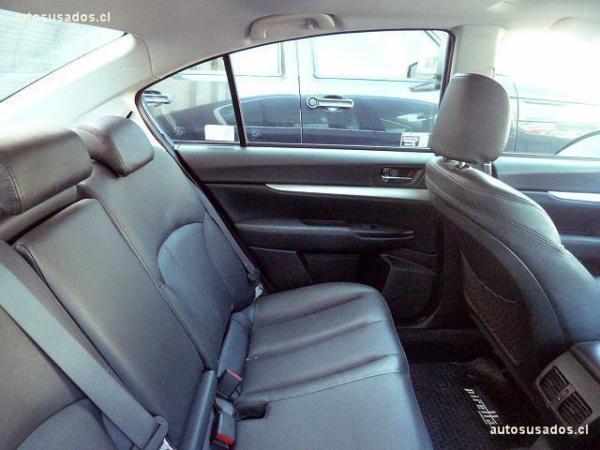 Subaru Legacy AWD I año 2012
