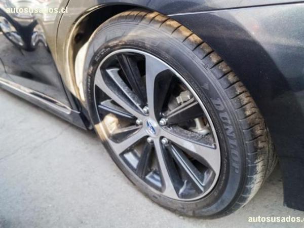 Subaru Legacy AT año 2017