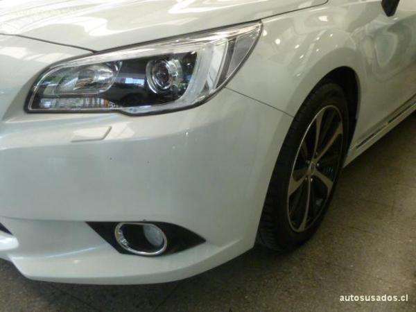 Subaru Legacy  año 2017