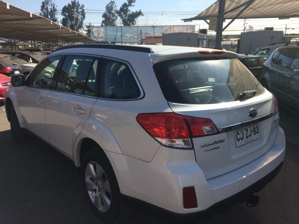 Subaru Outback  año 2010