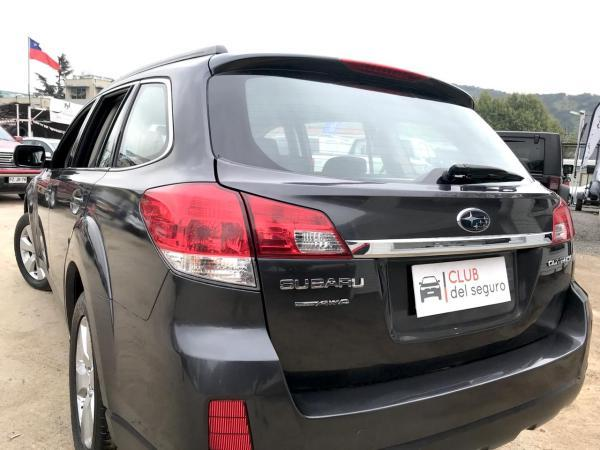 Subaru Outback 2.5I AWD CVT XS año 2010