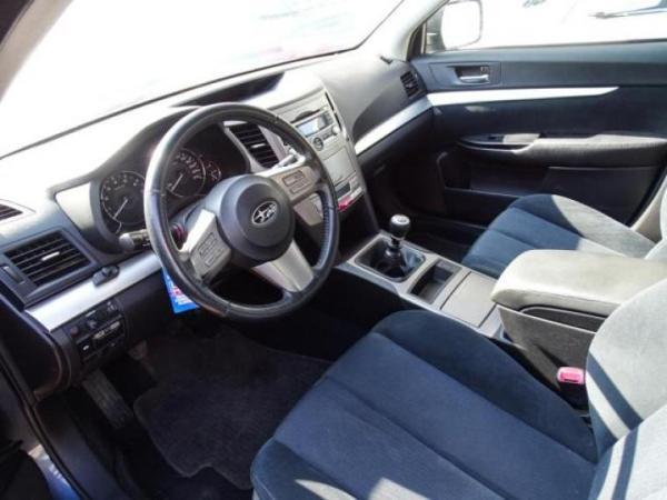 Subaru Outback XS 2.0 4X4 AWD año 2011