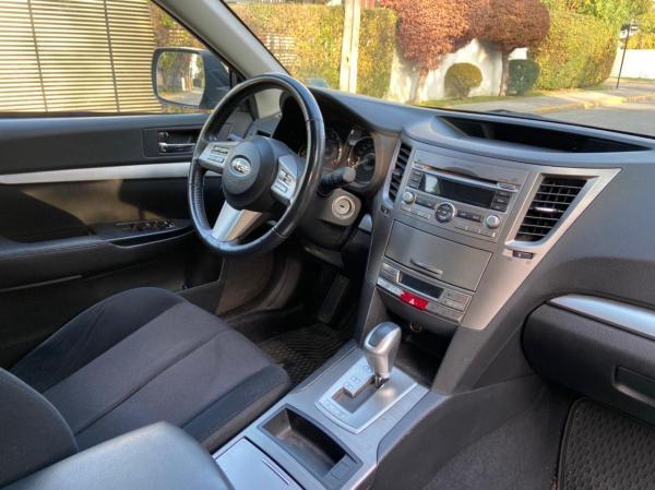 Subaru Outback XS año 2011
