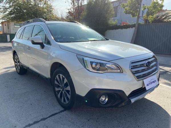 Subaru Outback 3.6cc Limited año 2015