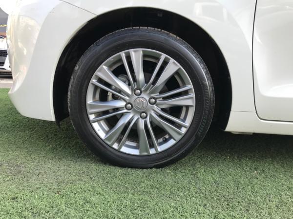 Suzuki Baleno Glx año 2017