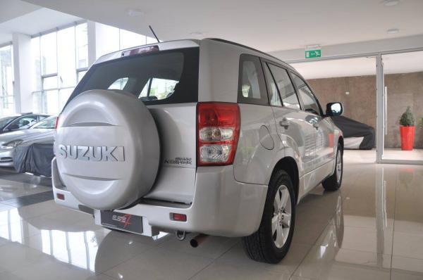 Suzuki Grand Nomade 4×2 AT año 2012
