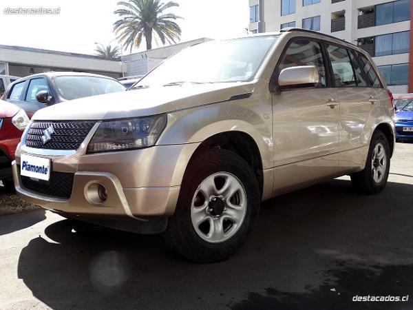 Suzuki Grand Nomade Glx 2.0 año 2012