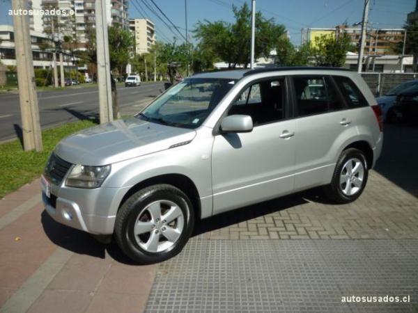 Suzuki Grand Nomade 2.4 4*4 año 2012