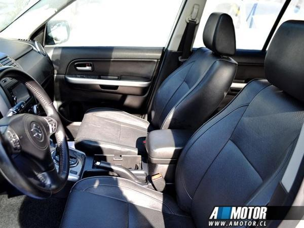 Suzuki Grand Nomade Grand Nomade 4x4 2.4 año 2014