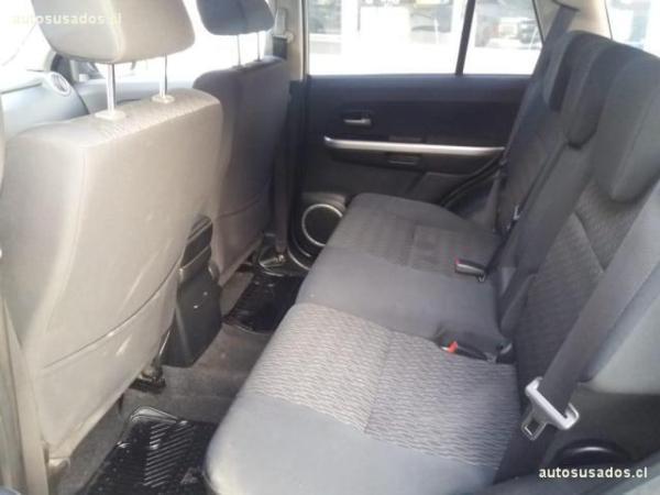 Suzuki Grand Nomade GLX SPORT 2.4 AT año 2014