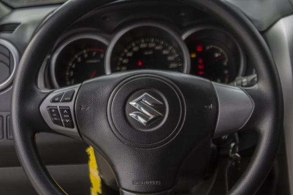 Suzuki Grand Nomade GLXMEC 2.4 4X4 GLX año 2015