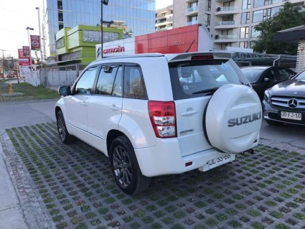 Suzuki Grand Nomade GLX NAV año 2017