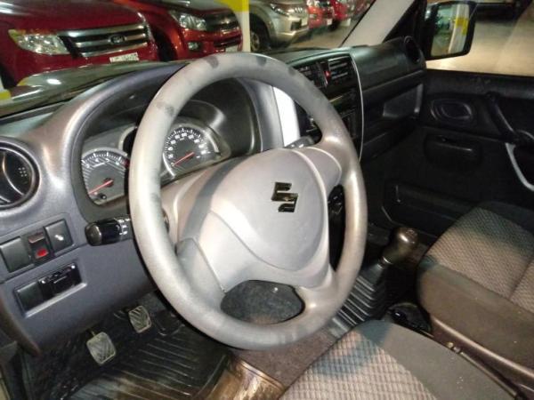 Suzuki JIMNY 1.3 JLX 4X4 WINCHE año 2016