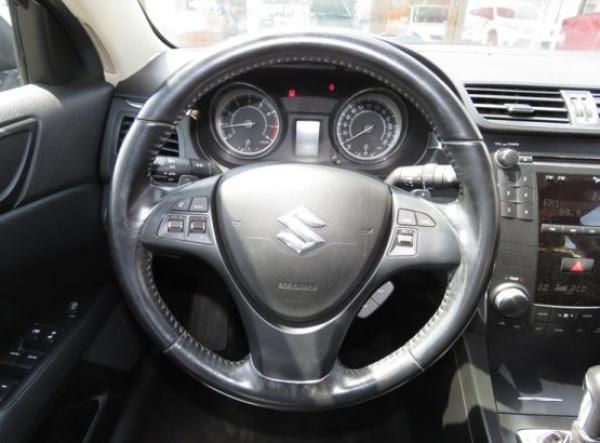 Suzuki Suzuki KIZASHI GLX año 2010