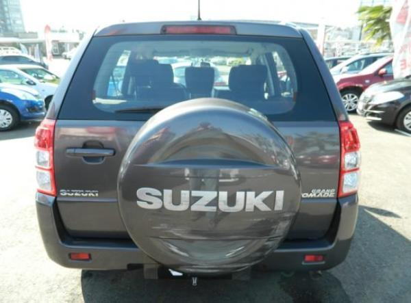 Suzuki Suzuki GRAND NOMADE GLX año 2011