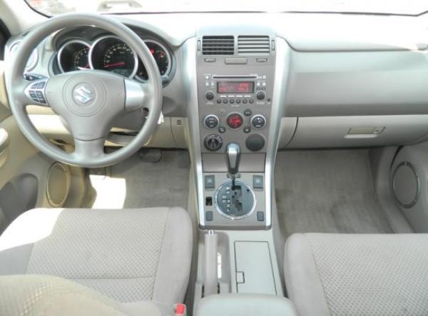 Suzuki Suzuki GRAND NOMADE GLX año 2012