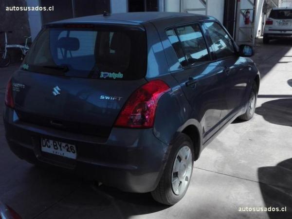 Suzuki Swift GA 1.3 año 2011
