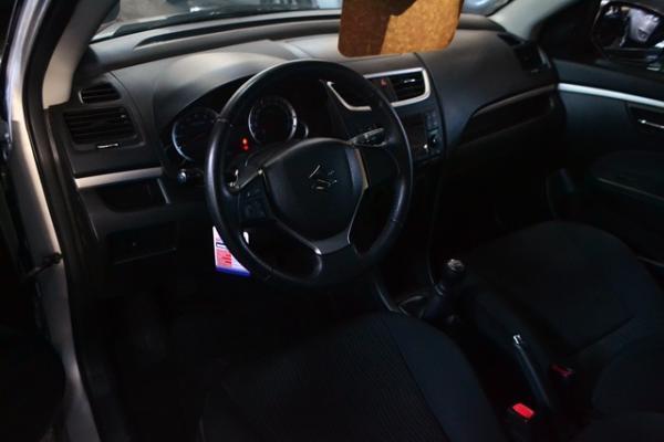 Suzuki Swift GL AC año 2012