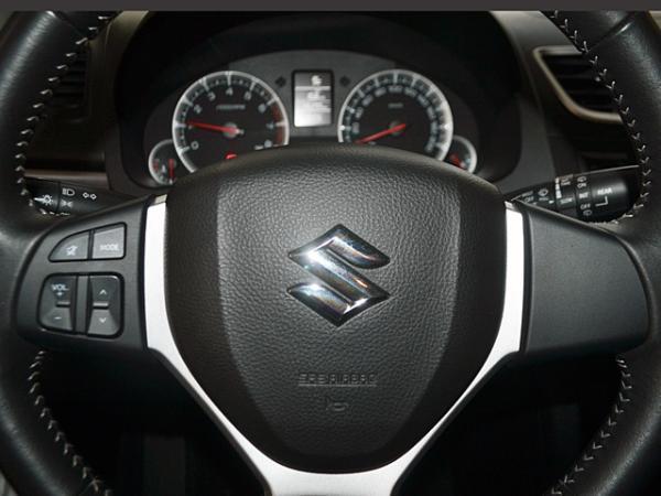 Suzuki Swift 1.4 GL año 2013