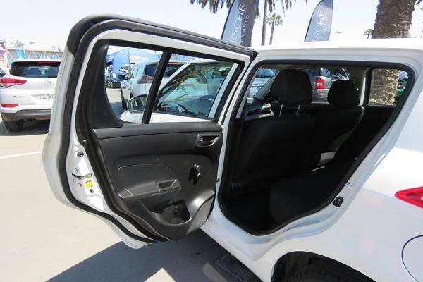 Suzuki Swift GA año 2015